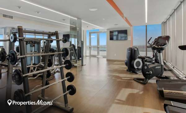 Bal Harbour 101 building image 3